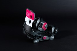 http _coresites-cdn.factorymedia.com_whitelines_new_wp-content_uploads_2017_09_now-conda-womens-snowboard-bindings-2017-2018-review